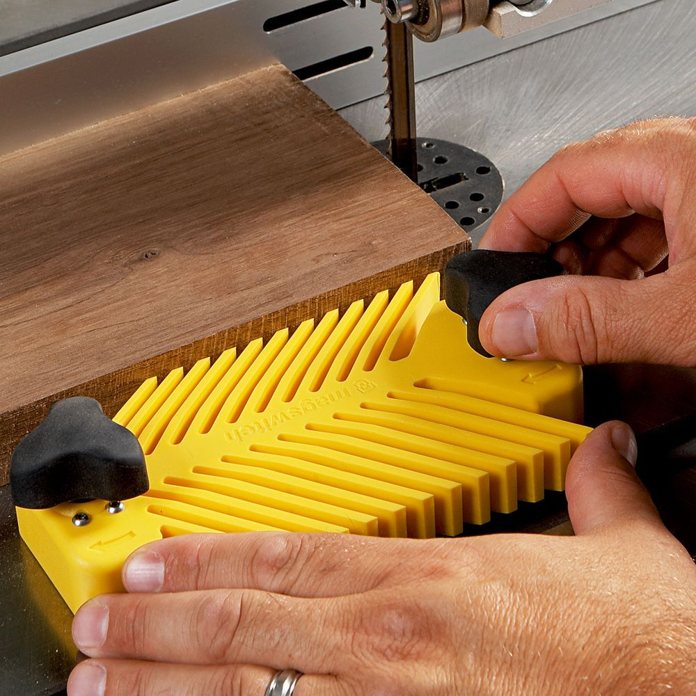 how to make a magnetic featherboard