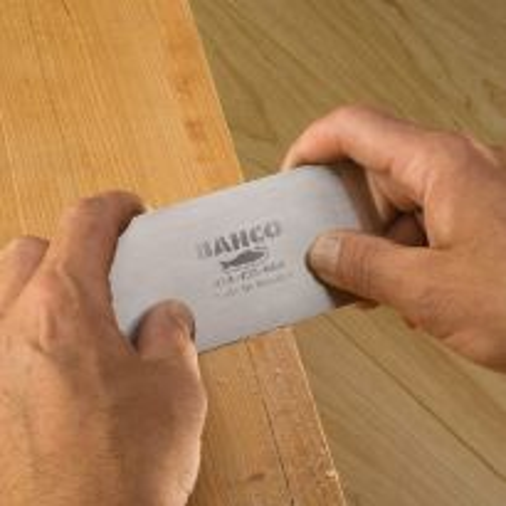 Bahco Cabinet Scraper cuts paper-thin shavings