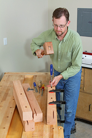 squaring mortises with a chisel