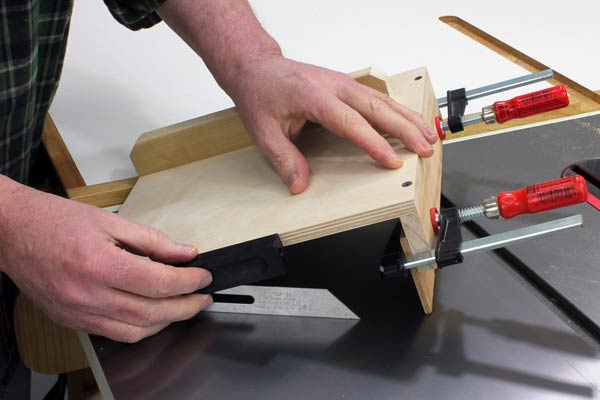 Adjusting the angle of drilling on drilling jig