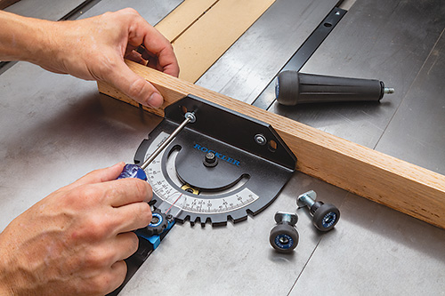 Attaching a small sacrificial fence to a miter gauge