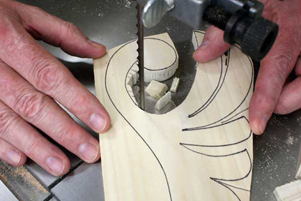 Cutting small connected chunks away from leaf pattern