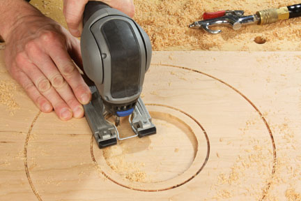 Using jigsaw to make circle cuts for lazy susan parts