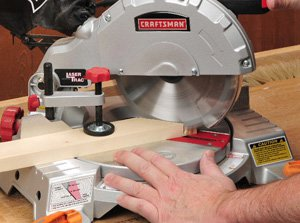 Using a compound miter saw to cut miter joints