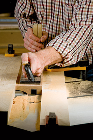 Using table saw to size picture frame blanks