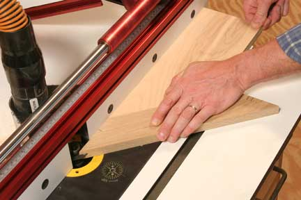 Cutting miter slot in picture frame joint