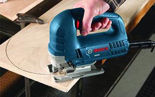 Cutting with a bosch jigsaw