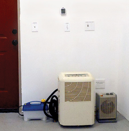Dehumidification set-up including steam generator, dehumidifier and heater