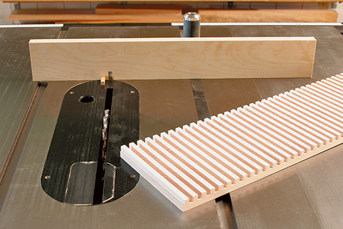 View of the dentil pattern cut in inlay with dado blade