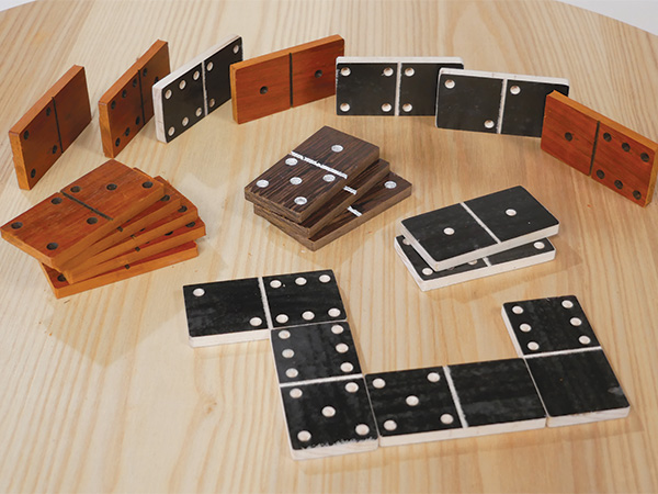 Domino game created with a CNC machine