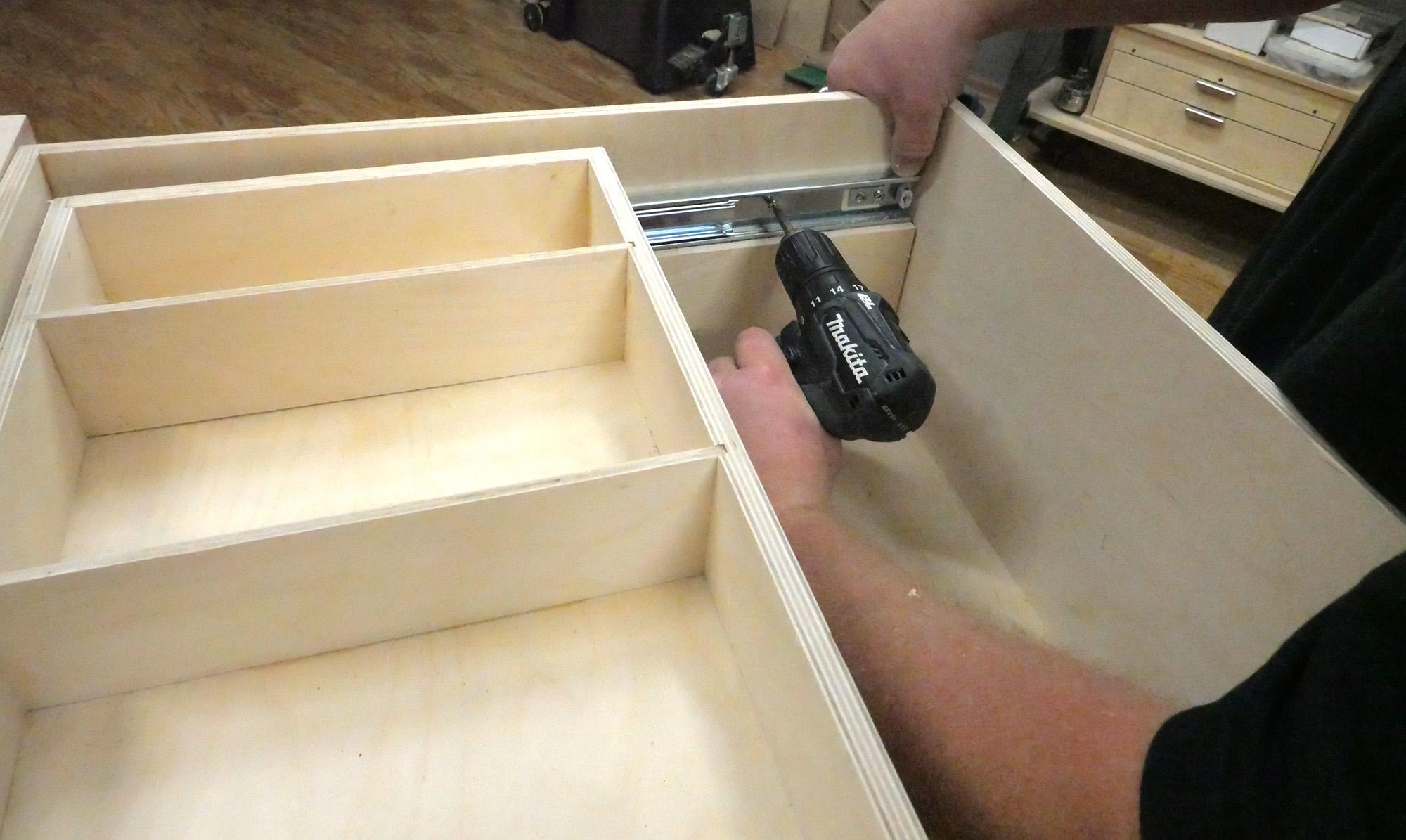 installing a drawer organizer