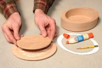 Gluing keepsake box lid to inner layer