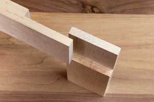 Close up and top view of a half lap rabbet joint