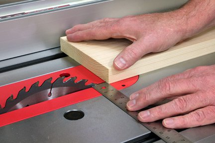 Measuring the thickness of a cut