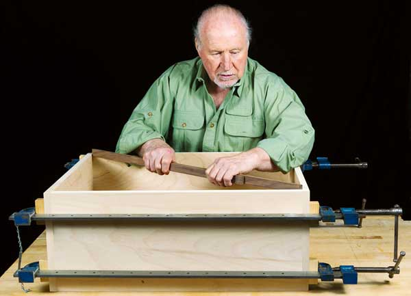 Measuring up the diagonals of a box frame