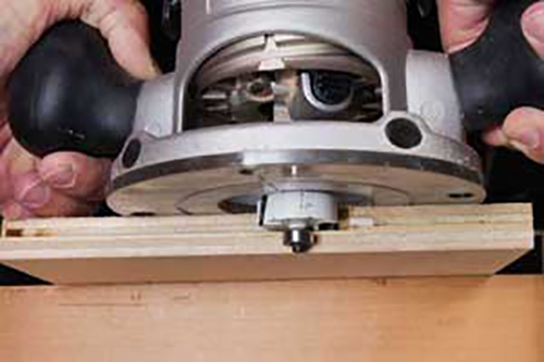 Using a piloted router bit to make a rabbet cut