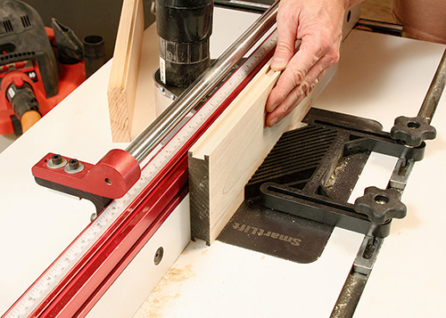 Routing a sliding dovetail on adjustable tenoning jig
