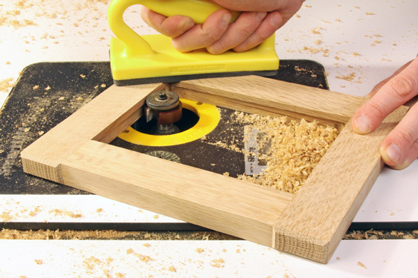 Using router to cut interior groove on a picture frame