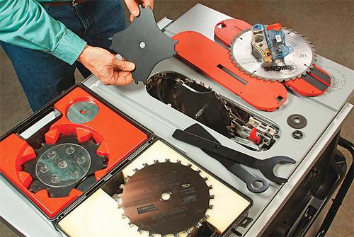 Installing dado blade set in SawStop jobsite saw