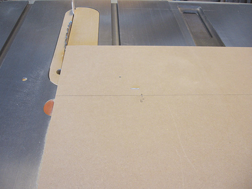 Adding a circle cutting jig to table saw miter slot
