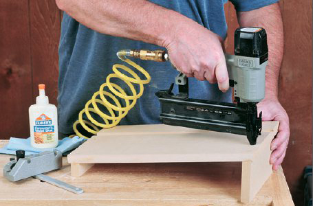 assembling sanding table