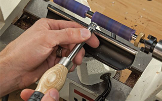 Turning Pen on the Lathe