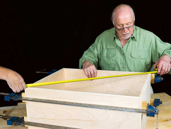 Checking the diagonals of a box that has been clamped up