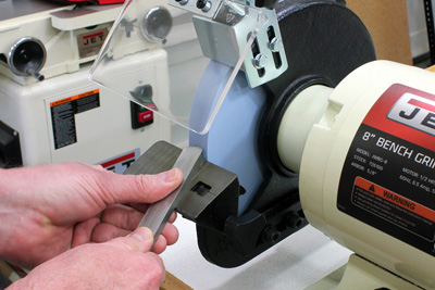 Sharpening woodturning tools on a bench grinder