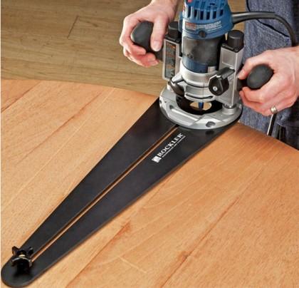 Cutting round edges with a circle cutting jig